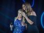 Joelma canta com Ivete Sangalo música sobre dica para dispensar o ex