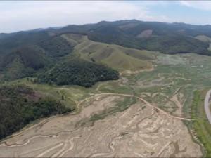 Represa de Paraitinga, em Salesópolis (Foto: Reprodução/TV Diário)