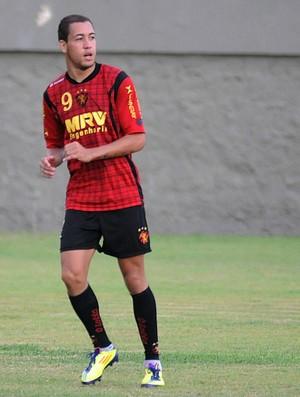 Julinho, lateral do Sport (Foto: Aldo Carneiro)