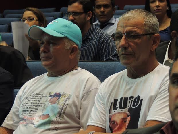 Família de Paulo Ricardo acompanha o júri popular (Foto: Thays Estarque/ G1)