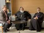 Líder ortodoxo chega a Campo Grande e reza missa para refugiados