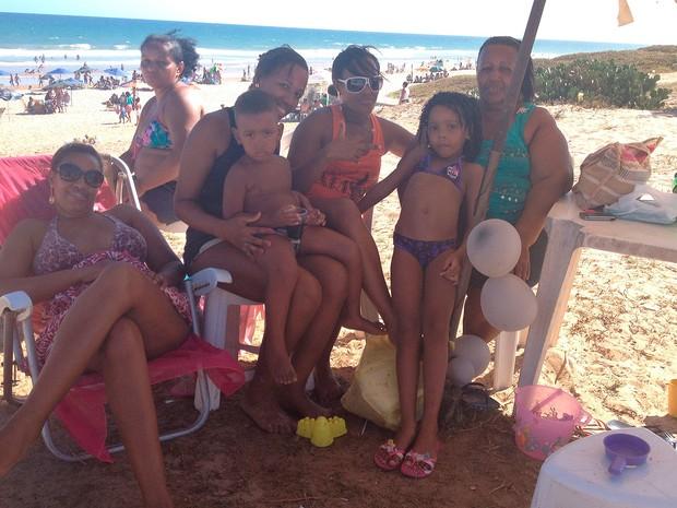 9afe016ffdd56 G1 - Salvador tem primeiro dia do ano com praias lotadas e sol forte ...