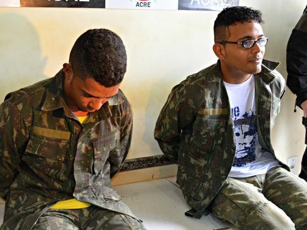 487be3345f Suspeitos usaram roupas do exército durante tentativa de assalto em  lotérica (Foto: Iryá Rodrigues