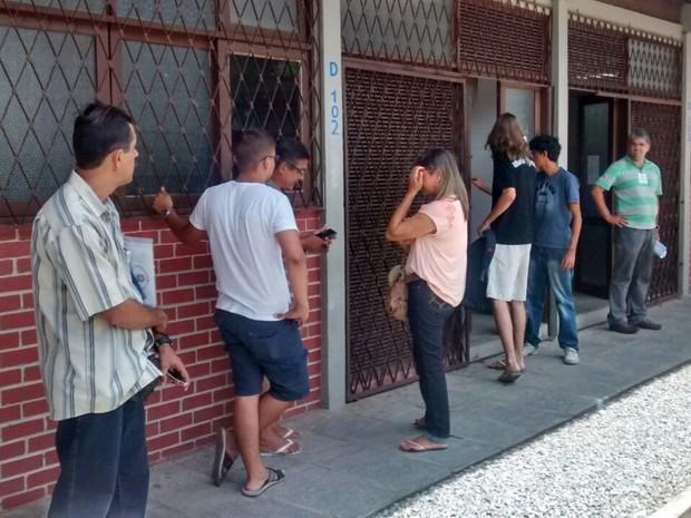 Aprovados no Sisu 2015 fazem matrícula na UFPB (Foto: Felipe Ramos / G1)