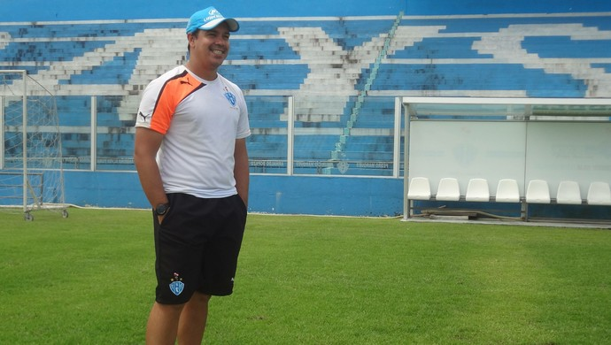 Dado Cavalcanti, técnico do Paysandu (Foto: Gustavo Pêna)