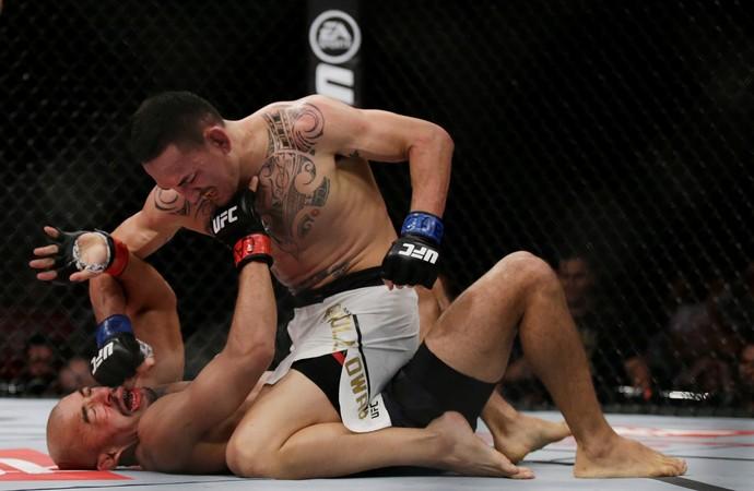 José Aldo x Max Holloway UFC Rio 8 (Foto: Reuters)