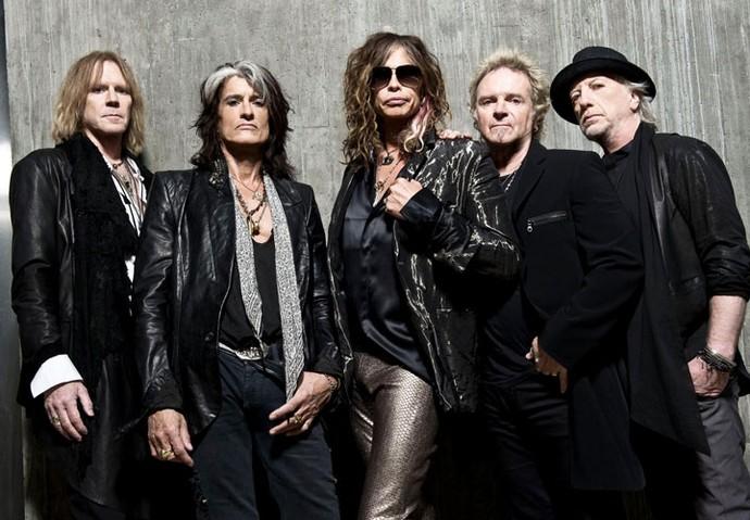 Steven Tyler, terceiro da esquerda para direita, fez o anúncio do possível adeus definitivo do Aerosmith (Foto: Divulgação)
