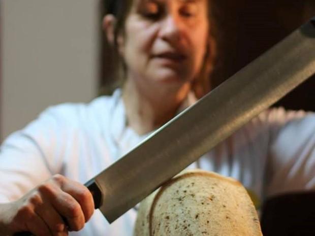 A mestre Elisabeth Schober trouxe da Europa o conhecimento para fabricar queijos (Foto: Divulgação/Queijo com Sotaque)