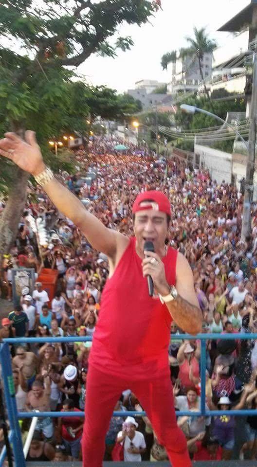 Elymar Santos no desfile de seu bloco de carnaval (Foto: Divulgação)