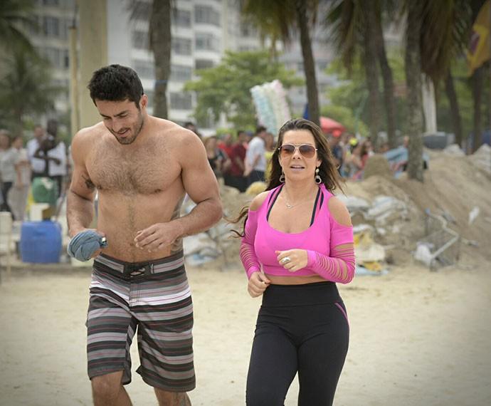 Fernanda Souza interpreta a figurante de novelas Mel em 'A Regra do Jogo' (Foto: Raphael Dias/Gshow)