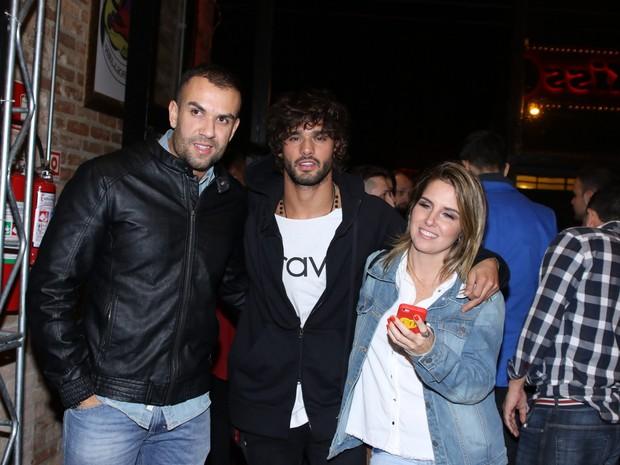 Marlon Teixeira com amigos em show em São Paulo (Foto: Thiago Duran/ Ag. News)