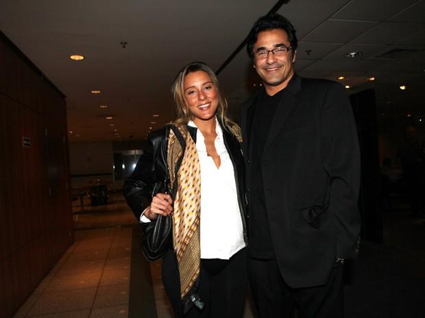 Luciano Szafir e a namorada (Foto: Iwi Onodera / EGO)