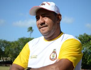 Pedro Costa, técnico do Laranjeiras (Foto: João Áquila / GLOBOESPORTE.COM)