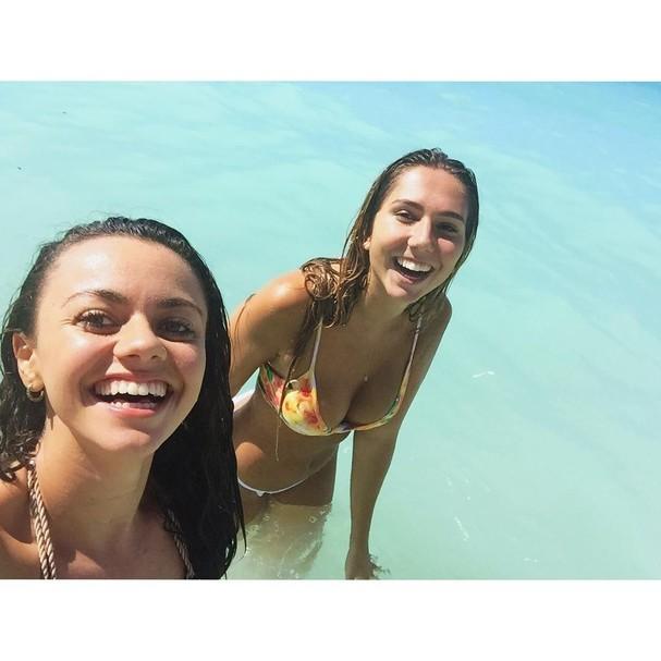 Carol Portaluppi curte o Havaí com a amiga Lia Cassis (Foto: Reprodução/ Instagram)