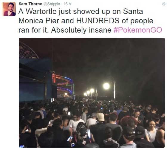 """""""Um Wartortle acabou de aparecer no Píer de Santa Monica e centenas de pessoas foram atrás dele. Insano!"""", escreveu um jogador do aplicativo em seu Twitter. (Foto: Reprodução/Twitter)"""