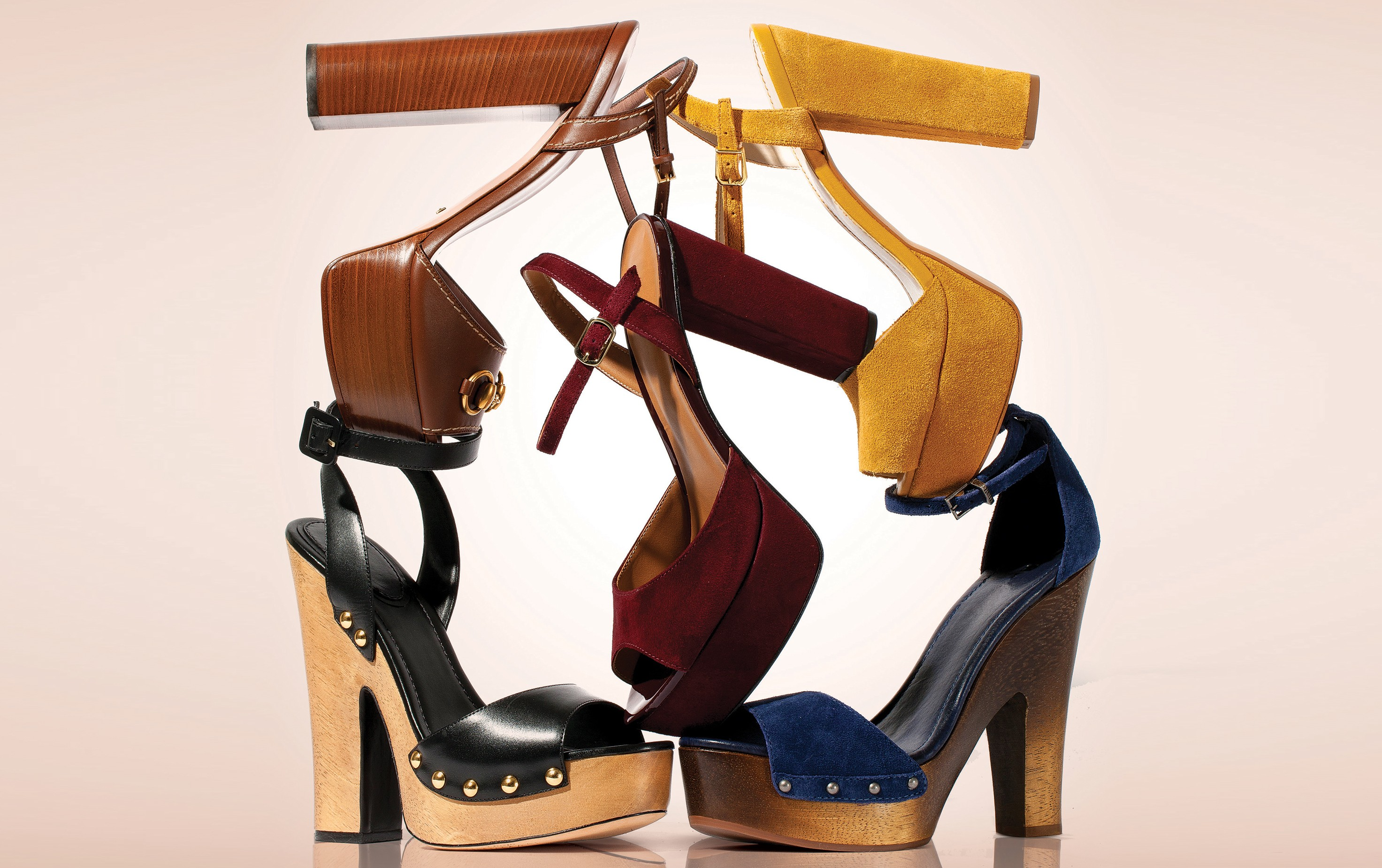 6a9a4d20c78 Plataforma 70s  as melhores sandálias para o inverno 2016 - Vogue ...