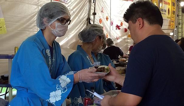 Praça de alimentação tem diversos pratos japoneses, como o genghiskan (Foto: Divulgação/ RPC TV)