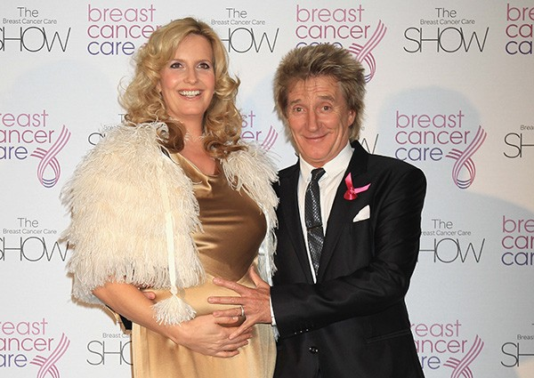 Rod Stewart e Penny Lancaster em 2010 (Foto: Getty Images)