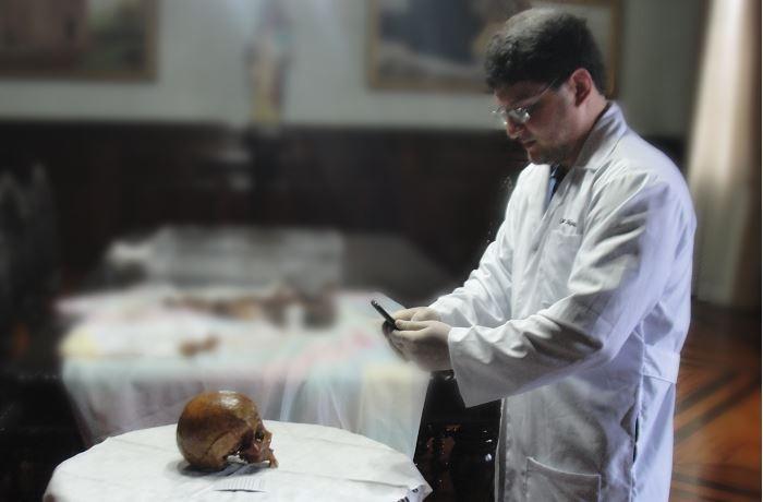 Designer fez a reconstrução do rosto baseado em restos mortais da santa (Foto: Divulgação)