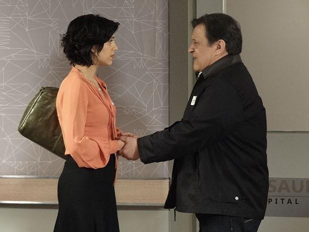 Dimas também pede a ajuda de Miriam na recuperação de Fernando (Foto: Amor Eterno Amor/TV Globo)