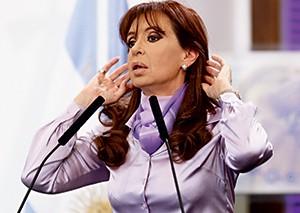 Cristina Kirchner na corda bamba (Foto: Gabriel Rossi/Latincontent/Getty Images)