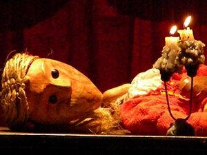 Peça é interpretada pelo grupo mato-grossense Teatro Mosaico. (Foto: Divulgação/Assessoria)