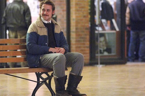 """Ryan Gosling pisciano e sonhador em """"A Garota Ideal"""" (Foto: Divulgação)"""