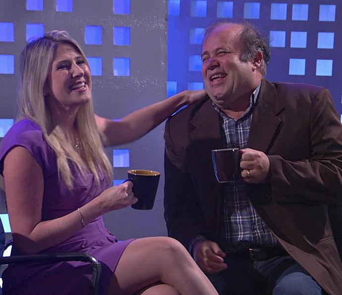 Dani Calabresa surpreende em talk show no 'Zorra' (Foto: TV Globo)
