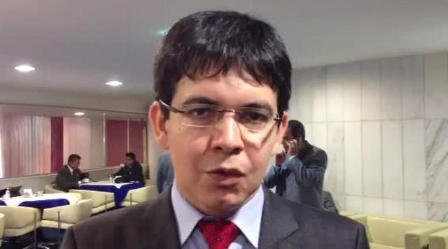 Randolfe marca conversa com Chico Alencar sobre candidatura