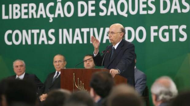 Henrique Meirelles, ministro da Fazenda, durante anúncio sobre saque das contas inativas do FGTS (Foto: Reprodução/Agência Brasil)