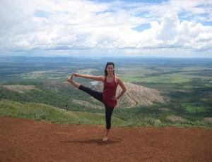 A prática de yoga, além de beneficiar a saúde do corpo, também auxilia o praticante a ter maior concentração e boa memória (Foto: Divulgação)