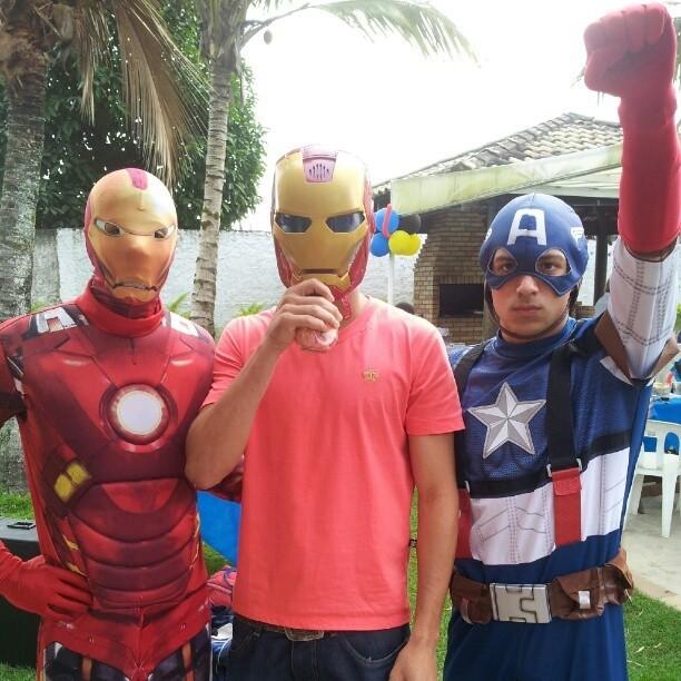 Ganso posta foto com 'super heróis' (Foto: Reprodução  / Instagram)
