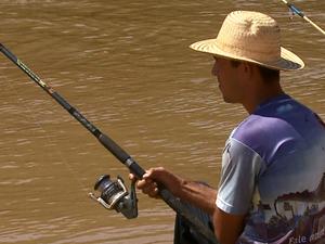 Proibição da pesca gerou polêmica em Pirassununga (Foto: Reginaldo dos Santos/EPTV)