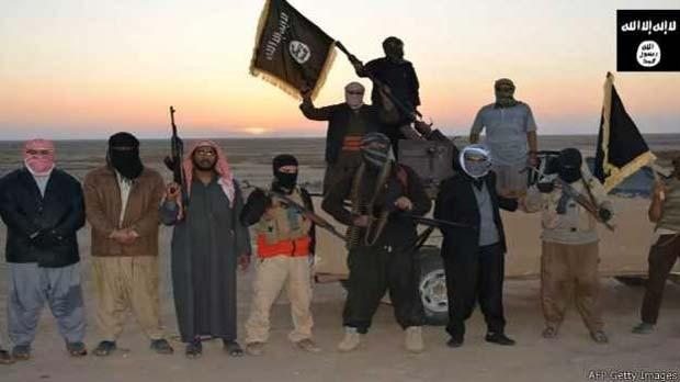 Grupo que se autodeclara 'Estado Islâmico' assassinou um jornalista iraquiano e decapitou outro câmera (Foto: BBC)