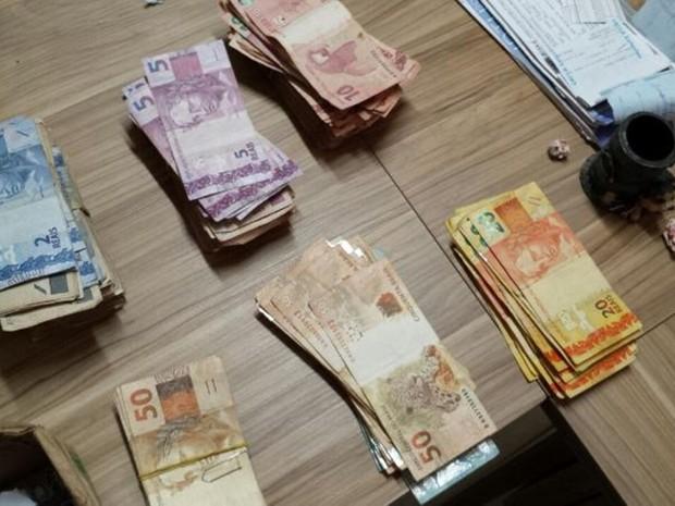 Dinheiro apreendido pela Polícia Federal (Foto: Divulgação/Polícia Federal)