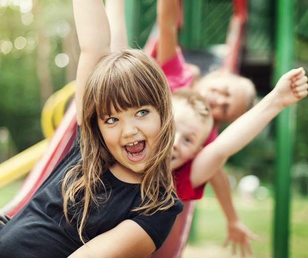 crianças; brincadeira; parque; meninas (Foto: Reprodução/Instagram)