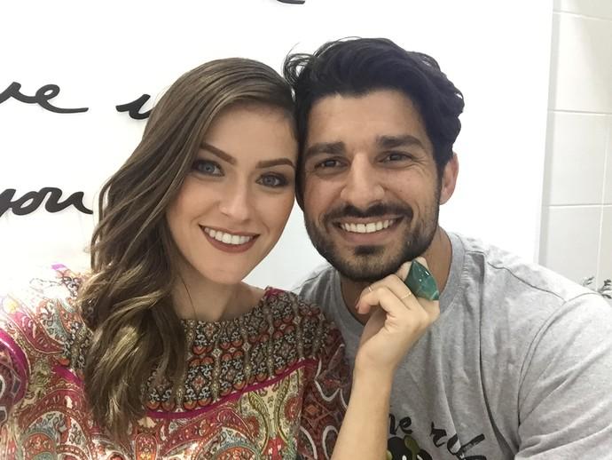 Renata Longaray com o namorado, Tiago Canabarro (Foto: Arquivo Pessoal)