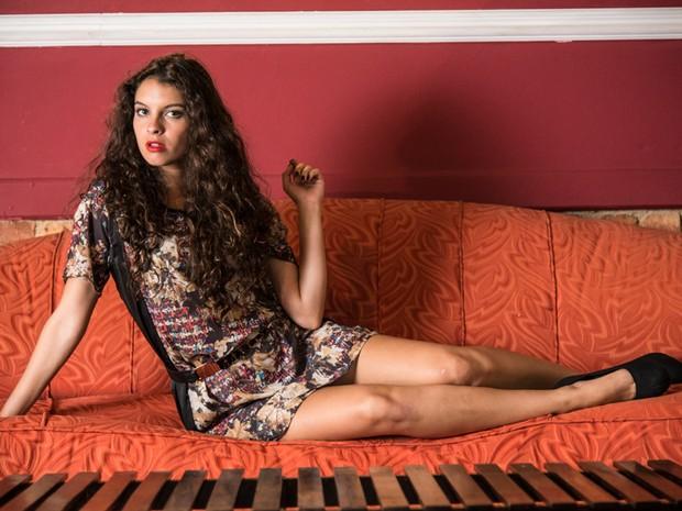 Beleza e talento não faltam para Ana Terra Blanco  (Foto: Raphael Dias/TV Globo)