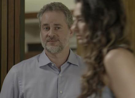 Eugênio tenta convencer Joyce a realizar sonho de Ivan