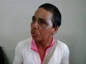 A mulher foi confundida com um homem; na delegacia, a identificaram como Jaqueline Silva (Foto: Divulgação)