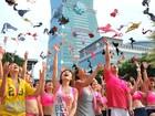 Em Taiwan, corrida contra o câncer de mama tem 'arremesso' de sutiãs