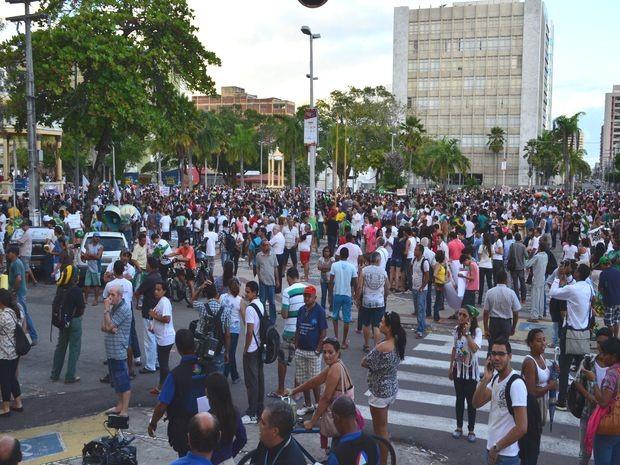 Público começou tímido, mas movimento ganhou força durante o percurso (Foto: Flávio Antunes/G1)