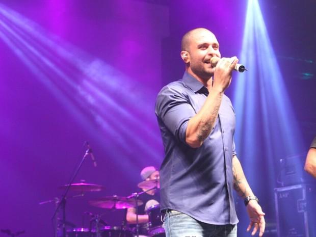 Diogo Nogueira em show na Zona Portuária do Rio (Foto: Anderson Borde/ Ag. News)
