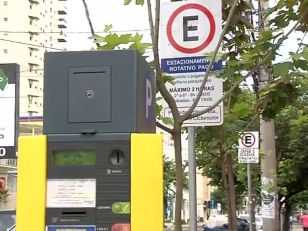 Parquímetro em Araçatuba tem causado polêmica (Foto: Reprodução/TV TEM)