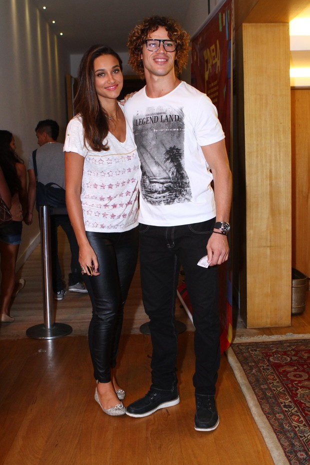 José Loreto e Débora Nascimento (Foto: Raphael Mesquita / Foto Rio News)
