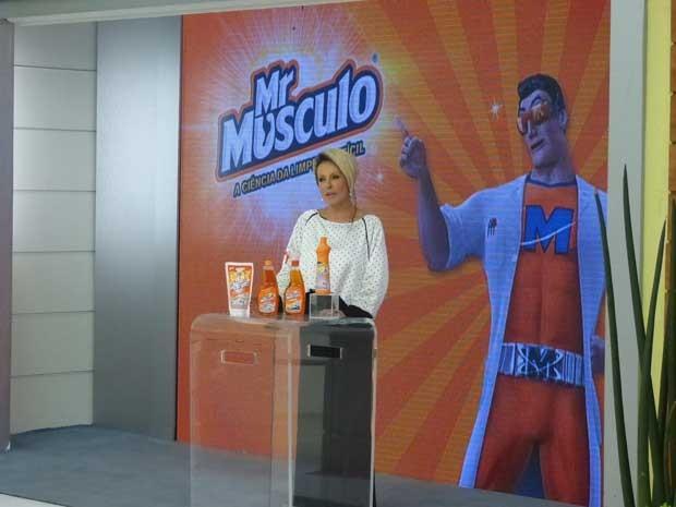 Ana Maria contou todos para seu público o poder de limpeza dos produtos da linha Mr.Músculo® (Foto: Mais Você)