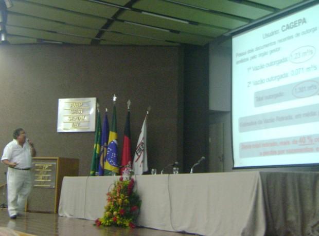 Pesquisador Janiro Rêgo, da UFCG, apresentou estudo em sessão da ALPB (Foto: Taiguara Rangel/G1)