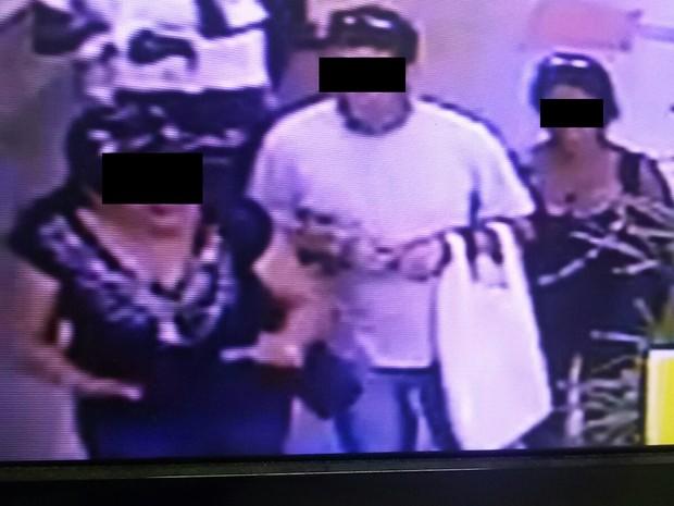 Criminosos Terminal Central em Uberlândia (Foto: Polícia Militar/ Divulgação)