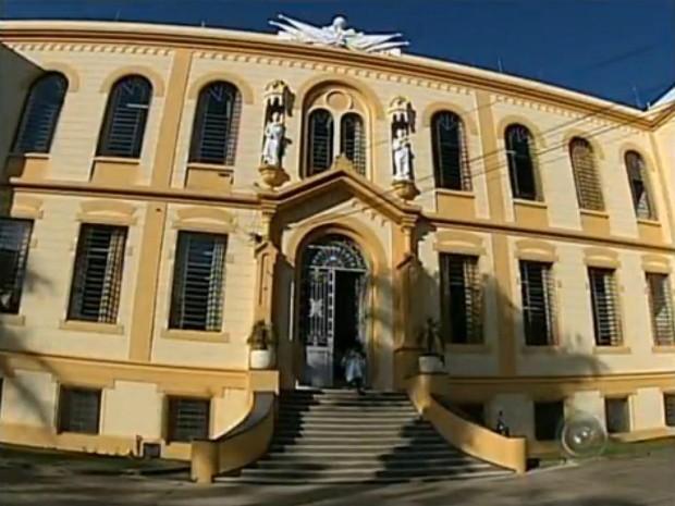 Escola Peixoto Gomide, joia de Itapetininga, foi fundada em julho de 1884 (Foto: Reprodução/ TV TEM)