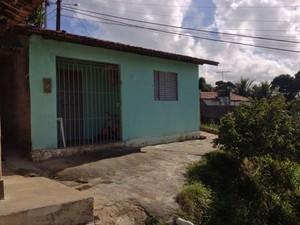 Casa do garoto de 10 anos atingido por bala perdida em Jaboatão, PE. (Foto: Kety Marinho / TV Globo)